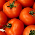 Popularny sklep wycofuje krojone pomidory. Mogą zawierać... plastik