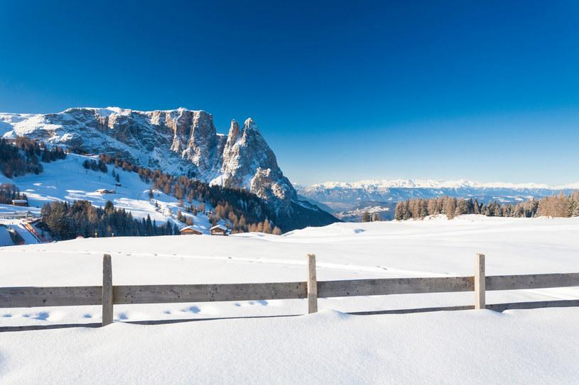 Popularny włoski kurort narciarski wprowadził powszechne testowanie dorosłych mieszkańców, by uratować narciarski sezon /Clickalps SRLs/agefotostock/East News /East News