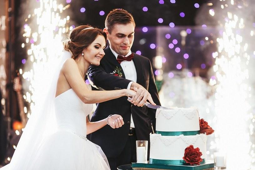 Pora roku, w której organizujemy ślub nie ma dużego znaczenia. Ważne by zapamiętać ten szczególny dzień na całe życie /materiały prasowe