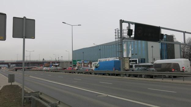 Poranne korki w Krakowie spowodowane remontem /Jacek Skóra /RMF FM