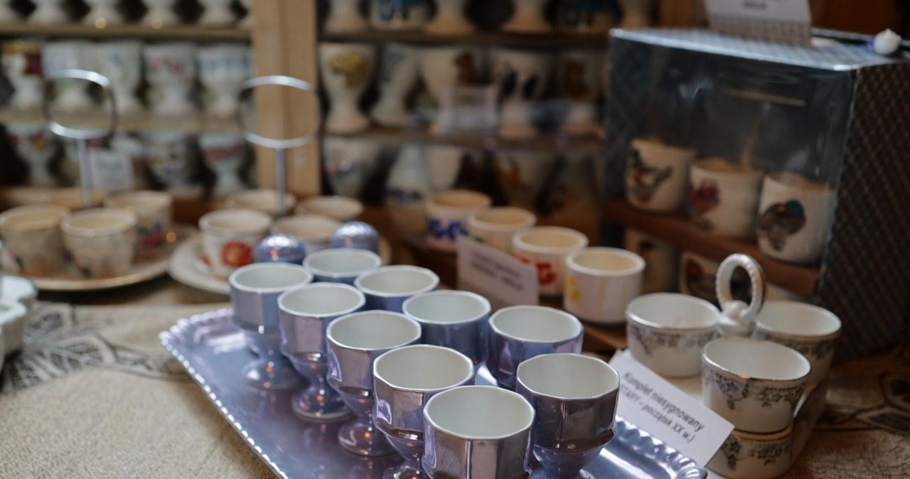 Porcelanowe, ceramiczne i szklane. Największa w Polsce kolekcja jajeczników