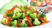 Porcja zieleni na talerzu