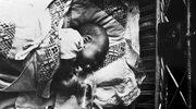 Poród pod ostrzałem. Przemilczane losy najmłodszych uczestników powstania