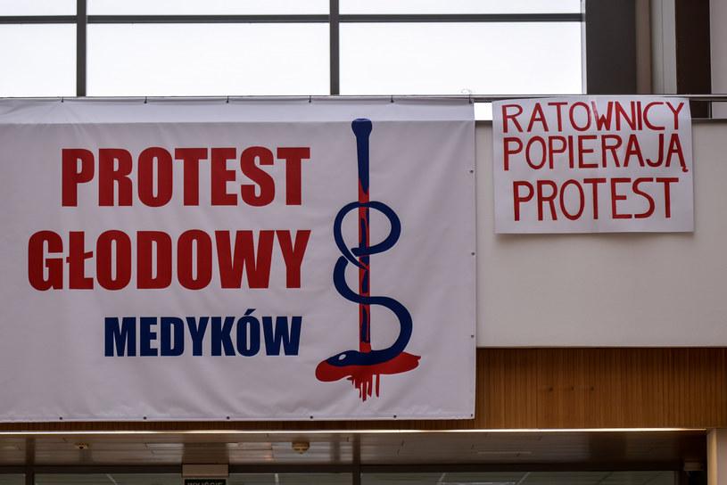 Porozumienia PR OZZL z ministrem zdrowia zakończyło, poprzedzony głodówką, protest lekarzy /Przemek Świderski /East News