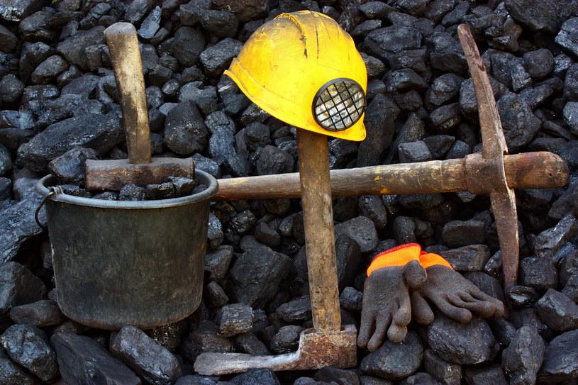 Porozumienie w PGG oznacza redukcję wynagrodzeń górników /123RF/PICSEL