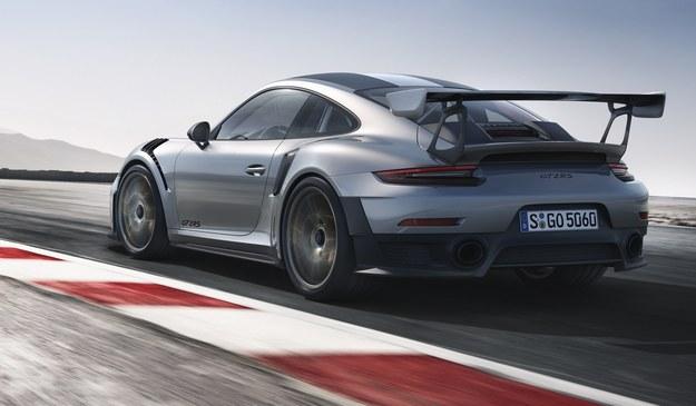 Porsche 911 GT2 RS /Porsche
