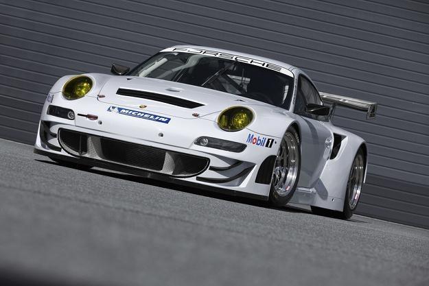 Porsche 911 GT3 RSR /