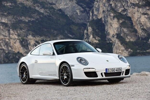 Porsche 911 GTS /