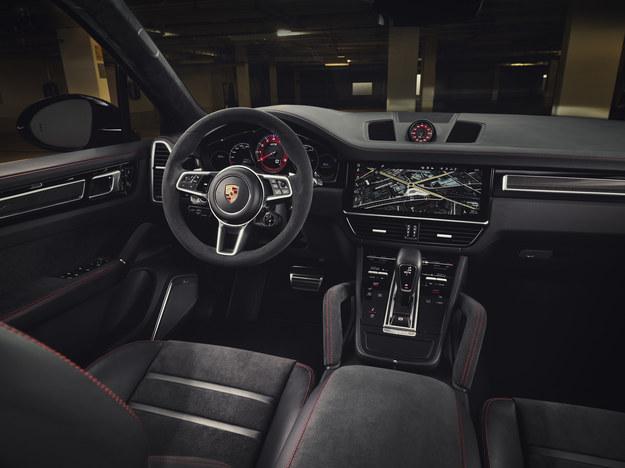Porsche Cayenne GTS /