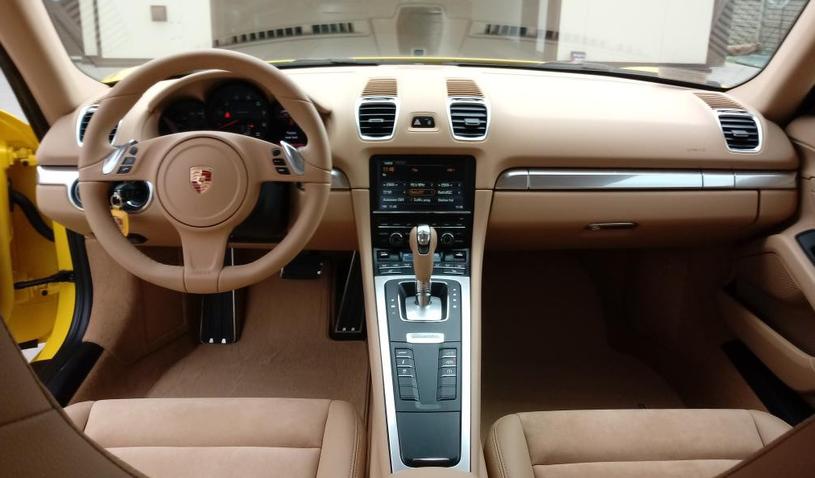 Porsche Cayman / fot. Gmina Maków /