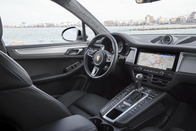 Porsche Macan S /