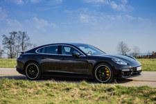 0007NZBZ198GIAUI-C307 Porsche notuje duży wzrost sprzedaży
