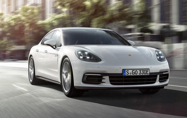 Porsche Panamera 4 E-Hybrid /Porsche