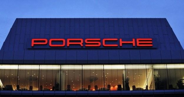 Porsche zamyka pierwszą piątkę najbardziej wartościowych marek /AFP