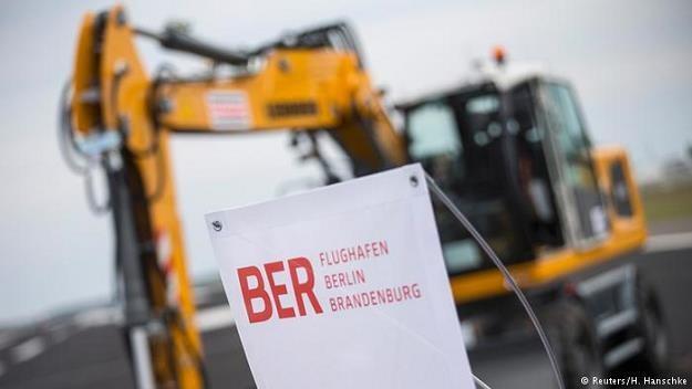 Port lotniczy BER stał się symbolem niezdolności Niemiec do realizacji prestiżowej inwestycji /Deutsche Welle