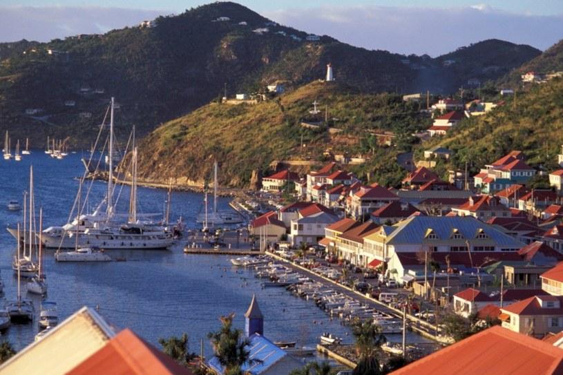 Port w Gustavii - jedynym na wyspie mieście /East News