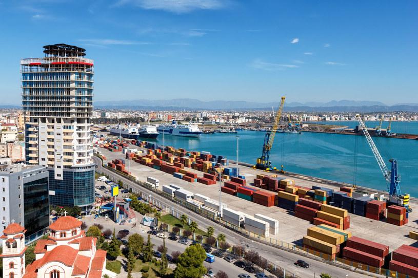 Port w mieście Durres /123RF/PICSEL