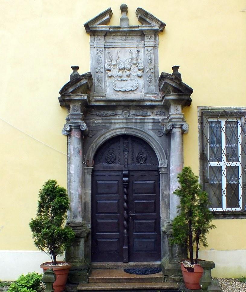 Portal pałacu w Lasowie /Odkrywca