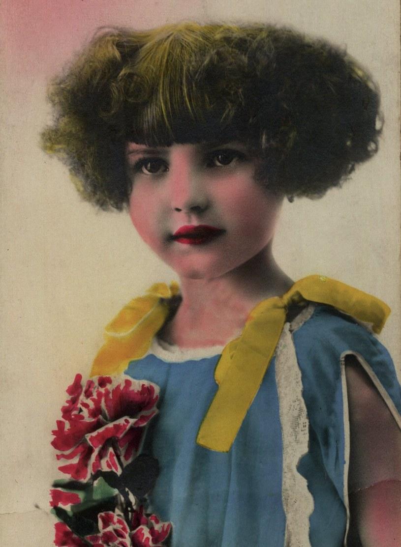 Portret anonimowej dziewczynki sprzed 1939 roku. (domena publiczna) /Ciekawostki Historyczne