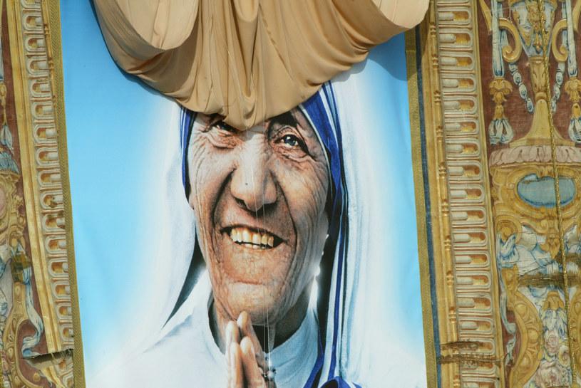 Portret Matki Teresy w Watykanie /AFP