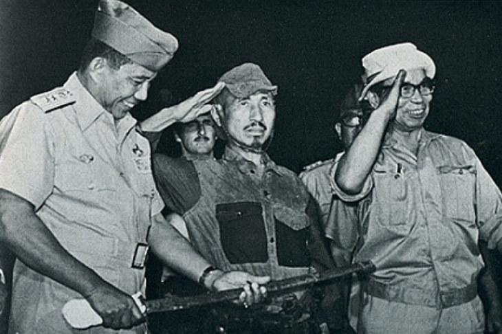 Porucznik Onoda po złożeniu broni /Getty Images/Flash Press Media