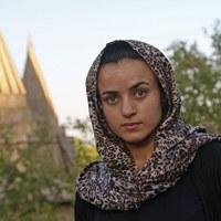 Porwali i gwałcili ją członkowie ISIS. Uciekła do Niemiec, a tam spotkała swojego oprawcę