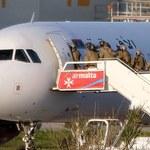 Porwanie samolotu libijskich linii. Porywacze użyli atrap broni