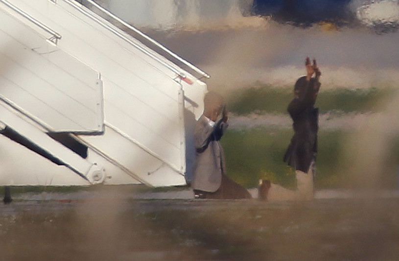 Porywacze samolotu libijskich linii lotniczych /REUTERS/Darrin Zammit-Lupi /Agencja FORUM
