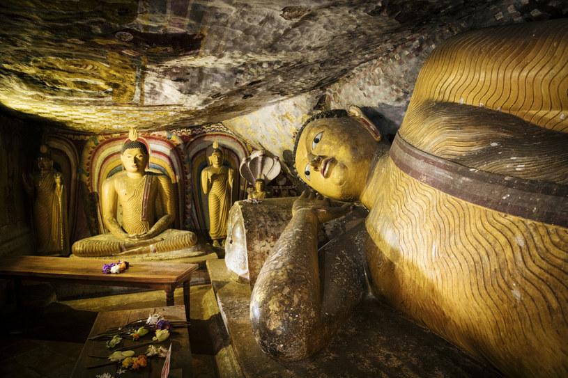 Posąg odpoczywającego Buddy znajdziemy w Rock Temple na Sri Lance /Ben Pipe/robertharding/East News /East News