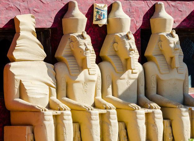 Posągi faraonów, Egipt /123RF/PICSEL