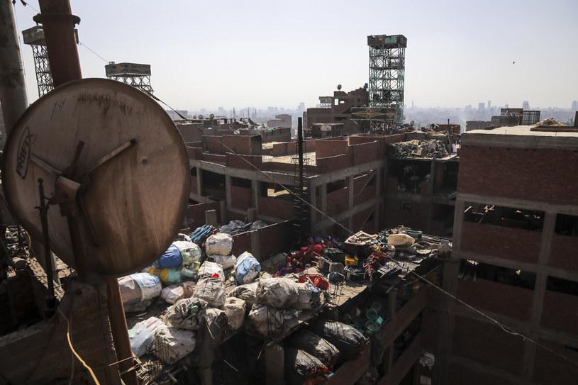 Posegregowane odpady są tu wciśnięte niemal w każdy kąt /Getty Images