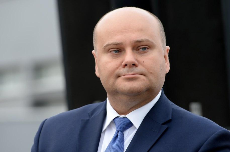 Poseł Andrzej Kosztowniak jest  przewodniczącym sejmowego zespołu do spraw budowy trasy S12 / Piotr Polak    /PAP