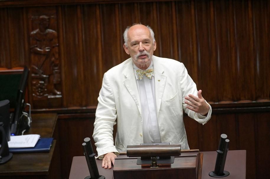 Poseł Konfederacji Janusz Korwin-Mikke na sali obrad Sejmu / Marcin Obara  /PAP