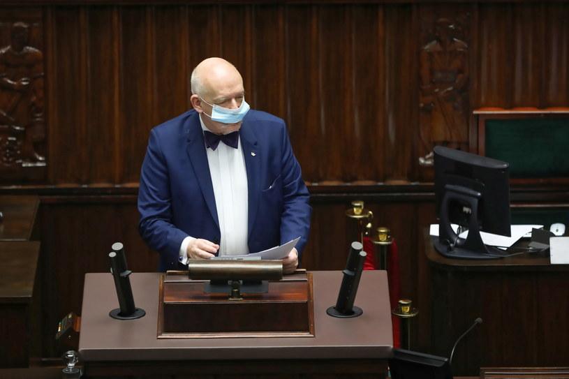 Poseł Konfederacji Janusz Korwin-Mikke na sali obrad w drugim dniu posiedzenia Sejmu