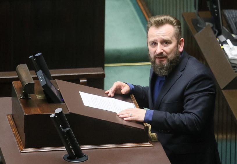 Poseł Piotr Liroy-Marzec przemawia nt. leczniczej marihuany /Paweł Supernak /PAP