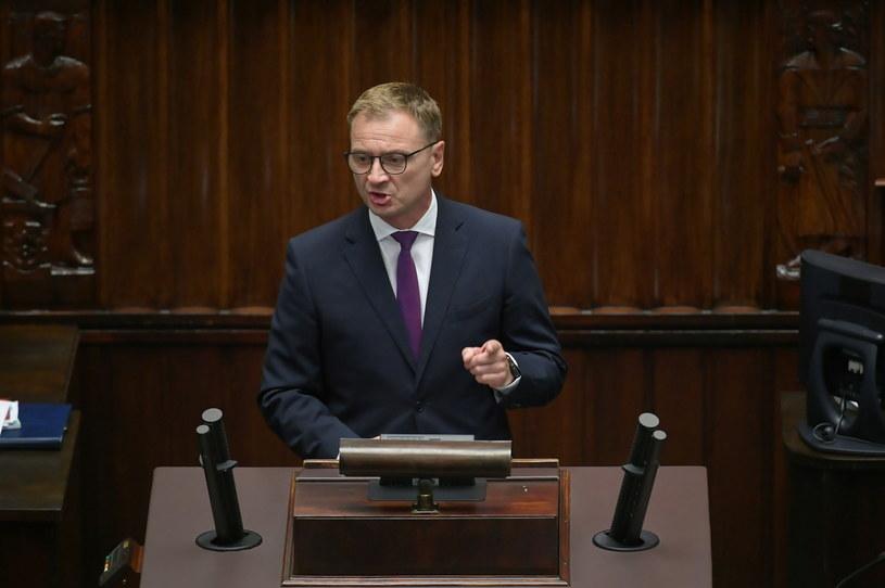 Poseł PO Sławomir Nitras na sali obrad w pierwszym dniu posiedzenia Sejmu (16.09.2020) / Marcin Obara  /PAP