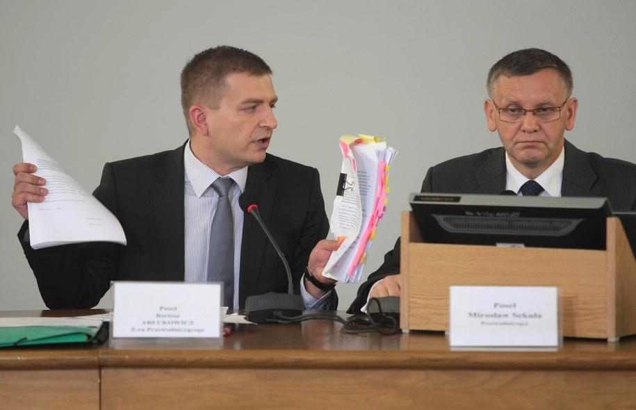 Posiedzenie hazardowej komisji śledczej. Bartosz Arłukowicz i Mirosław Sekuła /Leszek Szymański /PAP
