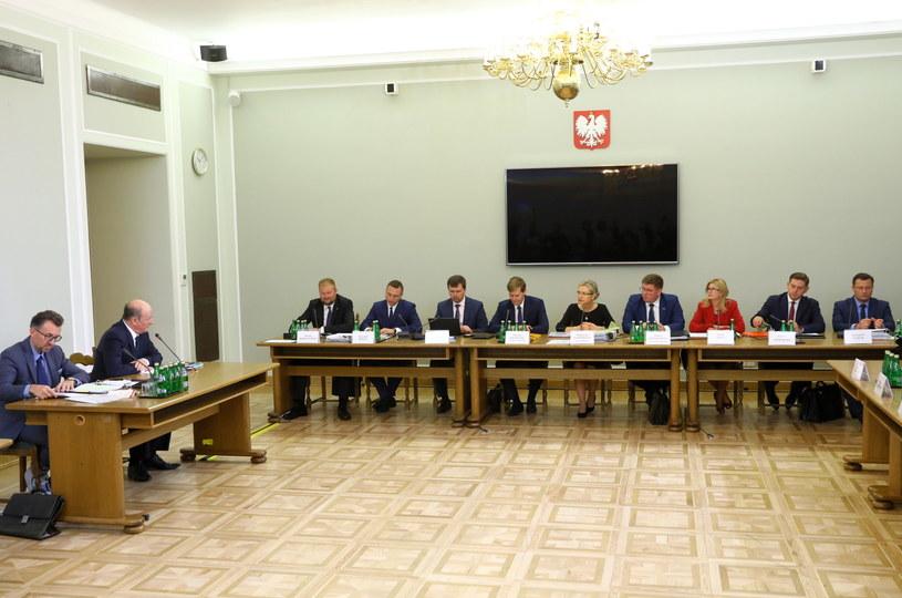 Posiedzenie komisji śledczej ds. Amber Gold /Rafał Guz   /PAP