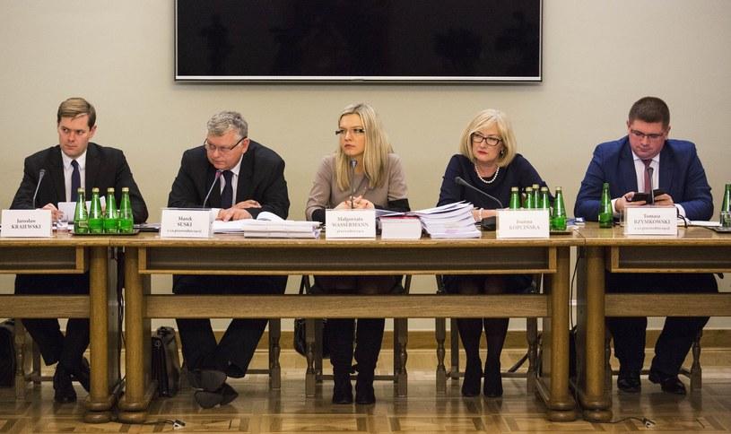 Posiedzenie komisji śledczej ws. afery Amber Gold /Andrzej Hulimka  /Reporter