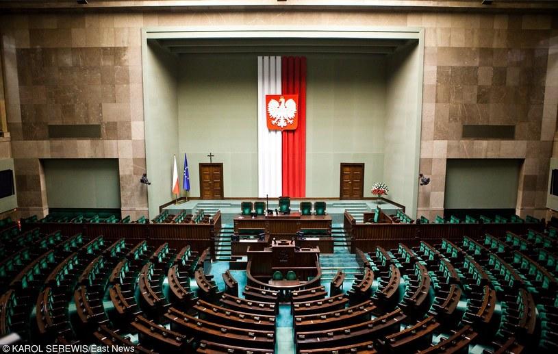 Posiedzenie Parlamentu Seniorów nie odbędzie się w budynku Sejmu /KAROL SEREWIS /East News