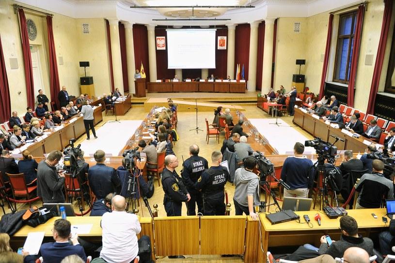 Posiedzenie Rady Miasta Warszawy (arch.) /Bartosz Krupa /East News