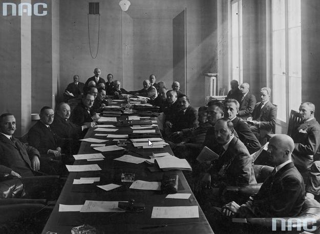 Posiedzenie sejmowej komisji budżetowej /Z archiwum Narodowego Archiwum Cyfrowego