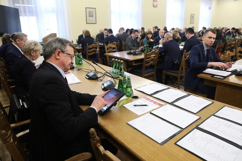 Posiedzenie sejmowej Komisji Finansów Publicznych / Tomasz Gzell    /PAP
