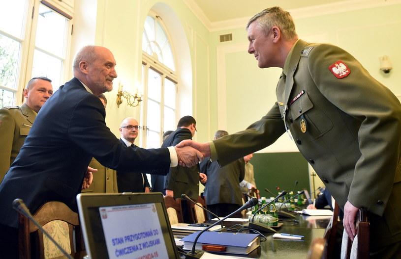 Posiedzenie sejmowej komisji obrony /Radek Pietruszka /PAP