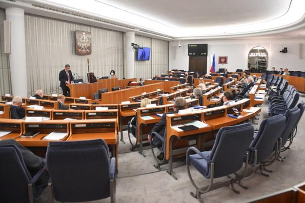 Posiedzenie wyższej Izby Parlamentu w Warszawie /Radek Pietruszka /PAP