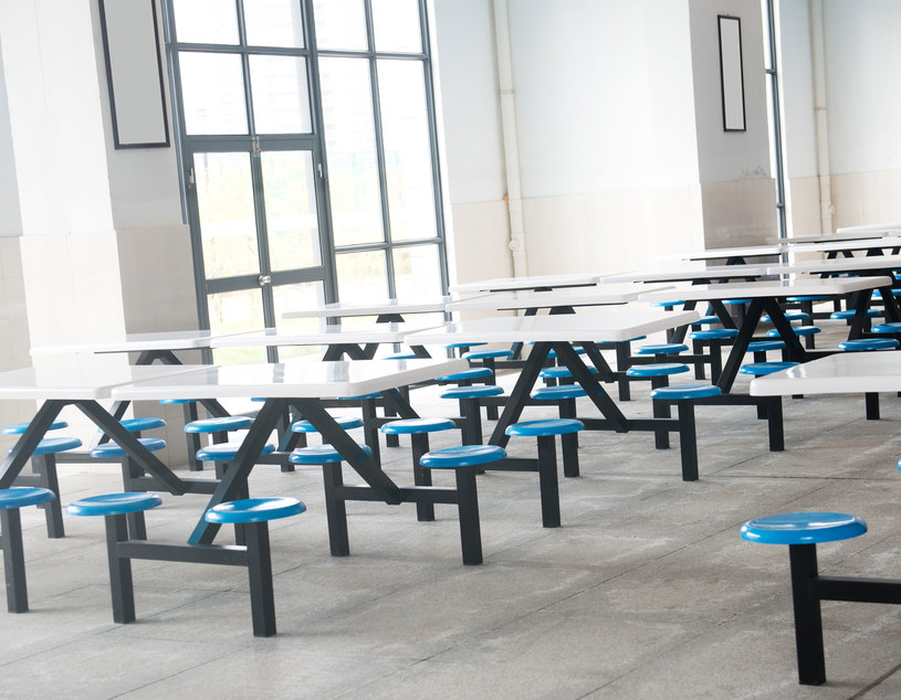 Posiłek był serwowany w stołówkach przy akademikach znajdujących się we wschodniej dzielnicy Kairu /123RF/PICSEL