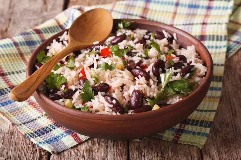"""""""Posiłek, który może uratować świat"""" - ekspert nie ma wątpliwości co do zdrowotnych właściwości połączenia ryżu i fasoli /123RF/PICSEL"""