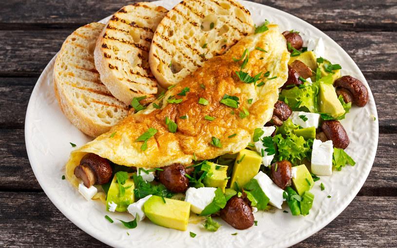Posiłek po treningu powinien być bogaty w białko, węglowodany oraz zdrowe tłuszcze /123RF/PICSEL