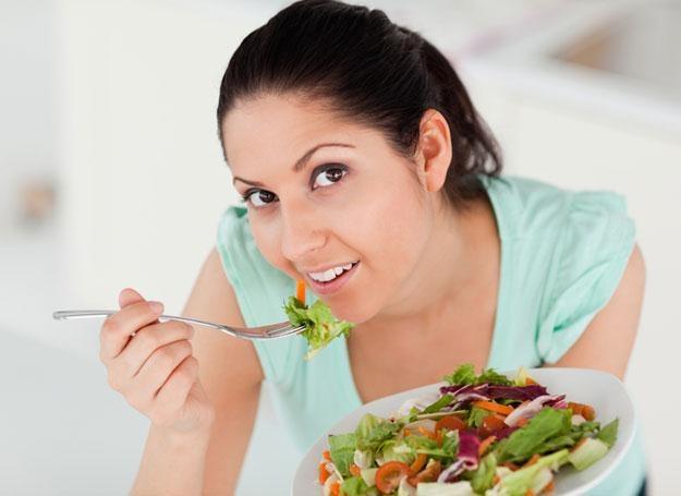Posiłki lekkostrawne poprawiają samopoczucie młodej mamy /© Panthermedia