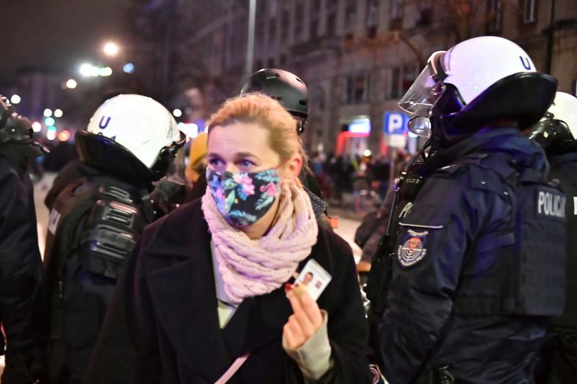 Posłanka Barbara Nowacka podczas sobotniej (28 listopada) manifestacji w Warszawie /PAP/Andrzej Lange /PAP
